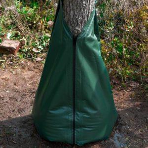 Wassersack am Baum zur Bewässerung supplierpark.de
